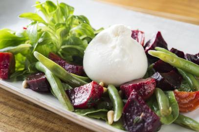 Obicá - Bufala Beet Salad