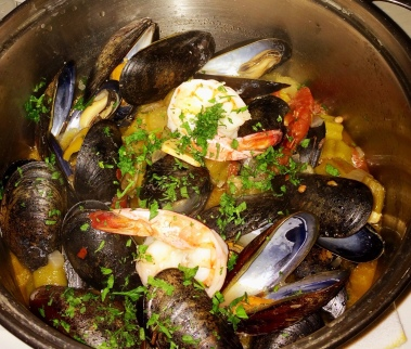 """""""Gumbo"""" Andoille sausage, peppers, ochra, shrimp, roux - Flex Mussels"""
