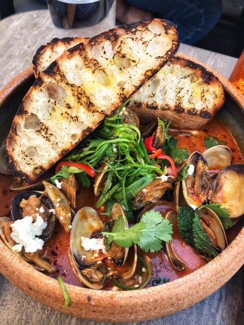manila-clams-with-thai